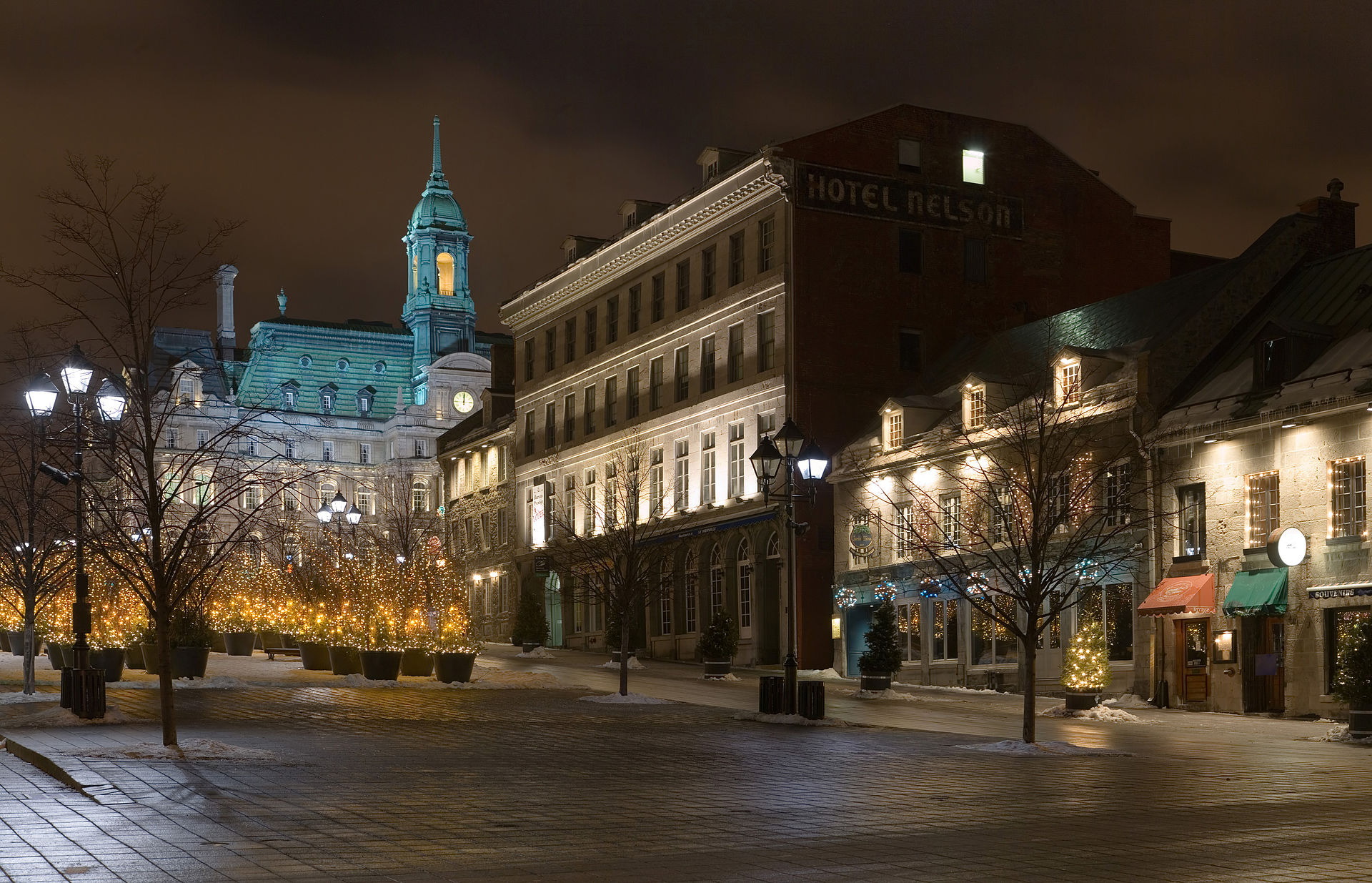 Place_Jacques-Cartier_Jan_2006